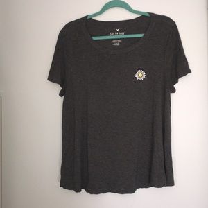 Grey American eagle tee with embroidered daisy
